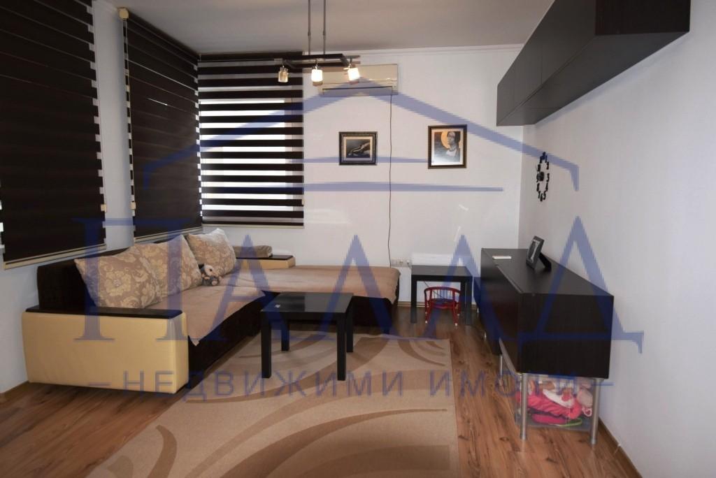 Луксозен, обзаведен апартамент широк център